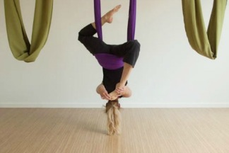 AERIAL YOGA stretch